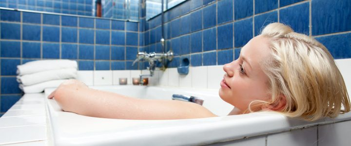 Can pregnant women take hot baths